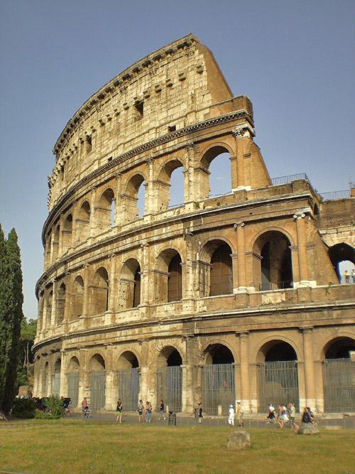 Acordei pensando em Roma…