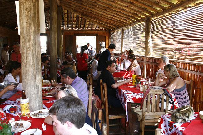 Tempero da Ângela: buffet mineiro no fogão à lenha bom e barato | Bichinho – MG