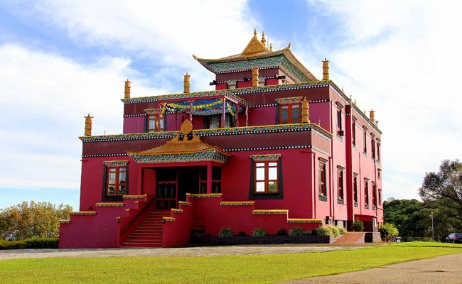 Templo Budista de Três Coroas: o Tibete mora aqui