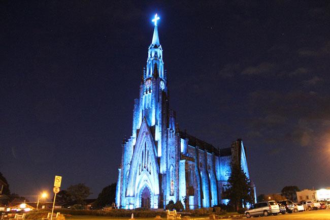 Catedral de Canela: iluminação noturna permanente