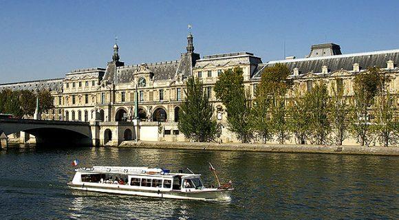 Paris: como fazer um romântico passeio de barco pelo Rio Sena sem gastar muito
