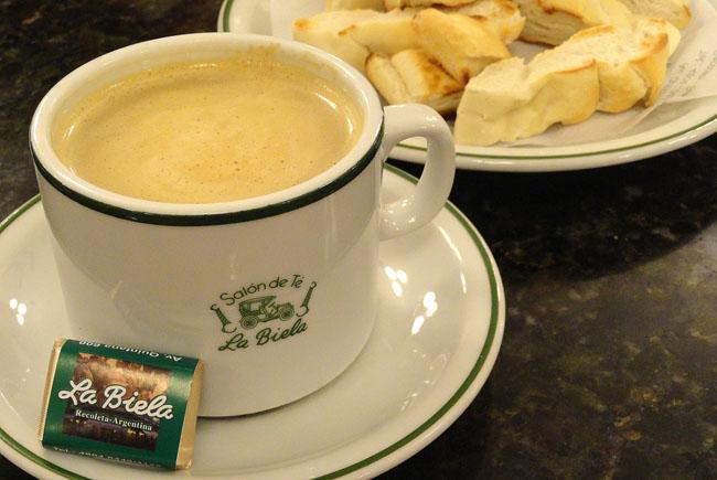 La Biela: tradicional e histórico café na Recoleta