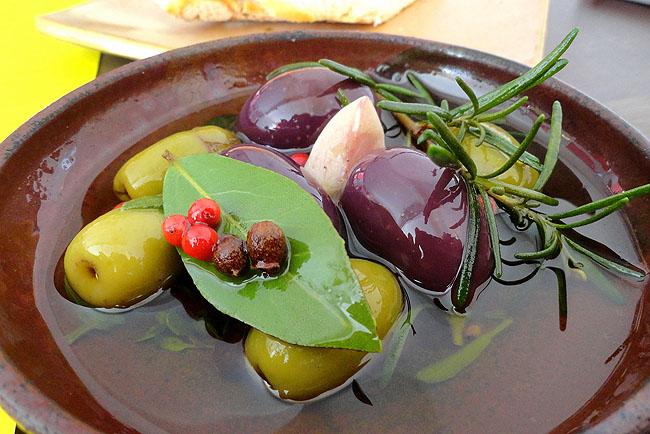 Casa da Li: o restaurante na Vila Madalena que guarda um pedaço da história da gente
