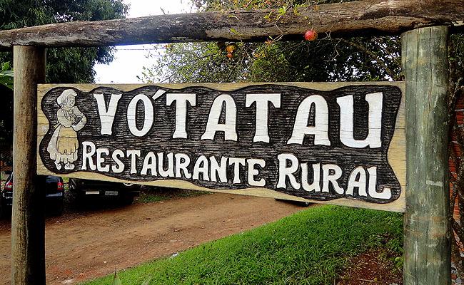 Restaurante Vó Tatau: comida da roça, música caipira e família reunida