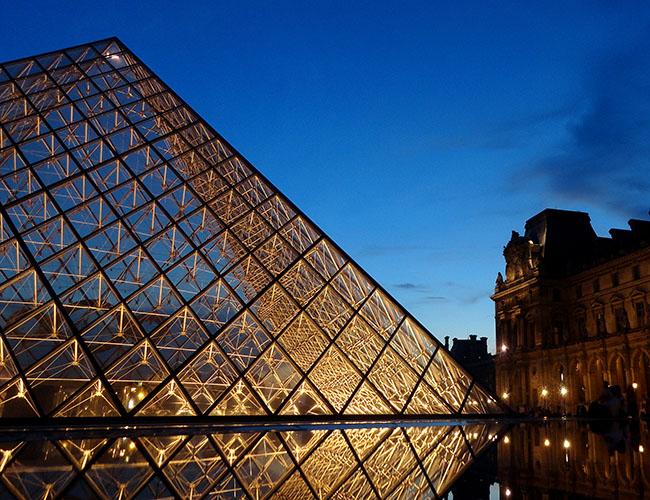 Louvre 650