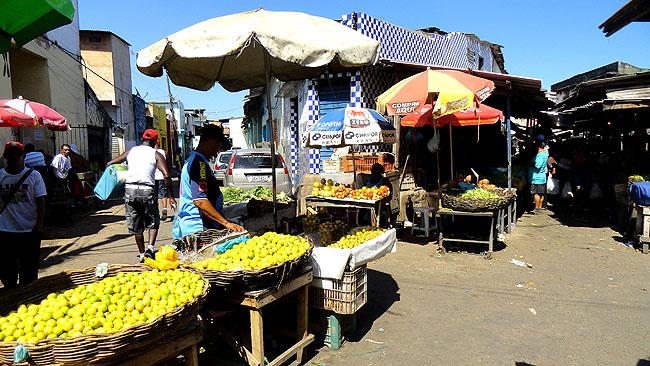 Feira de Sao Joaquim Salvador feirantes