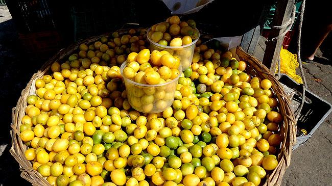 Feira de Sao Joaquim Salvador frutas