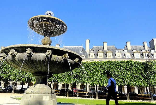 Place des Vosges Paris Turismo 02