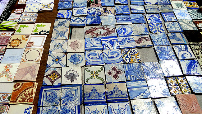 Feira da Ladra Lisboa Azulejos