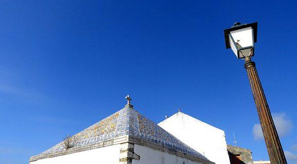Nazaré, Portugal: como visitar uma singela vila de pescadores debruçada sobre o mar