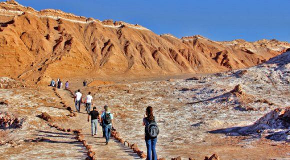 O dia em que um caminhão me levou de volta ao Deserto do Atacama | Por Raul Mattar