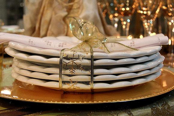 Mesa de Natal Decoracao Barata Dourada Pratos com Laco