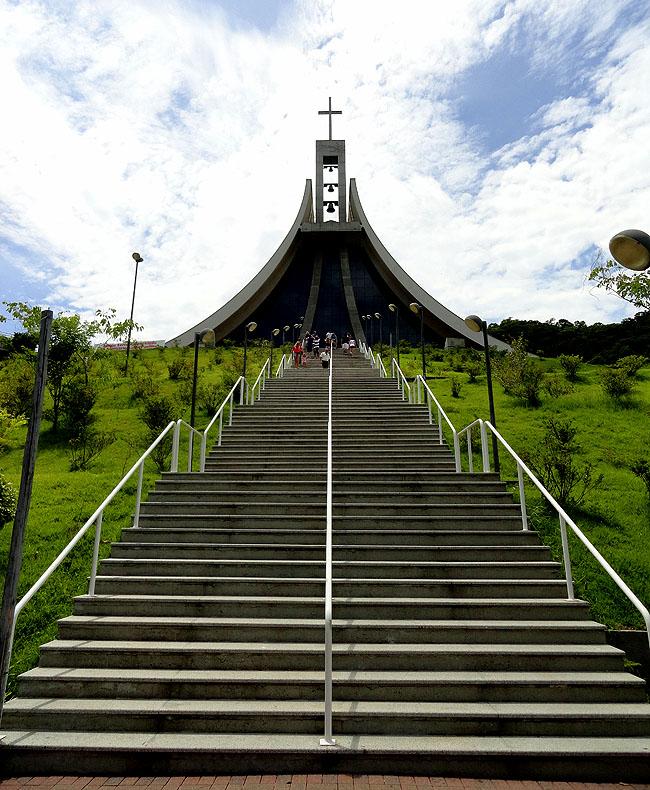 Santuario Santa Paulina Nova Trento SC - Escadaria