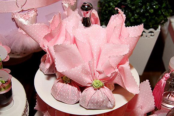 Festa Bailarina doces bombom decorado