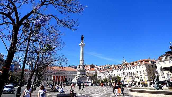 Lisboa bairro a bairro Baixa Praca do Rossio Dia