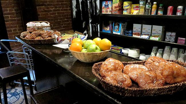 Hotel bom e barato em Nova York Broadway Hotel Cafe da Manha