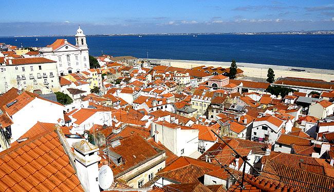 Lisboa bairro a bairro Alfama Miradouro das Portas do Sol