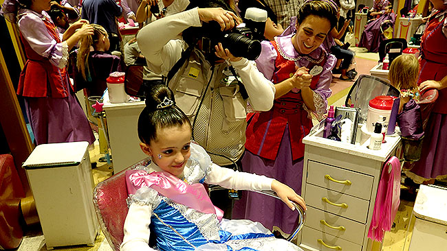 Bibbidi Bobbidi Boutique Disney Como transformar sua filha em princesa