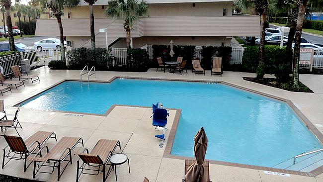 Onde ficar em Orlando Red Roof Inn Piscina
