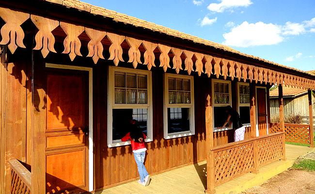 Parque Historico de Carambei escola tirpica