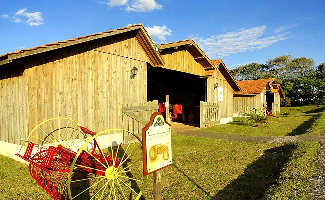 Parque Historico de Carambei implementos agricolas