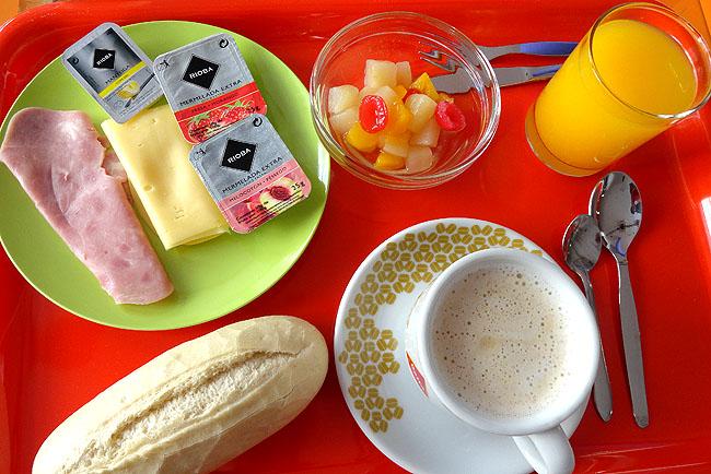 Goldem Tram Hostel Lisboa cafe da Manhã Onde ficar em Lisboa
