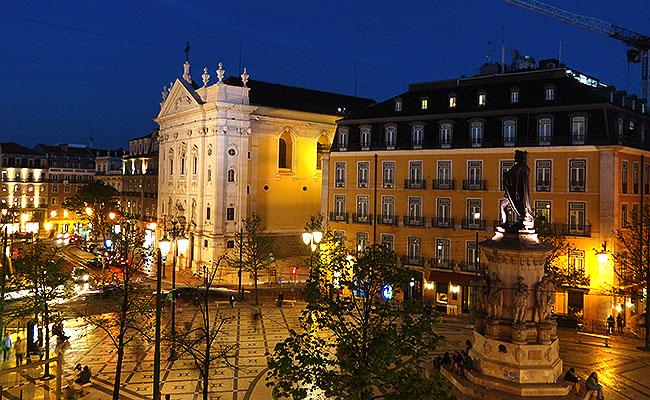 Passporte Lisbon Hostel praca luis de camoes