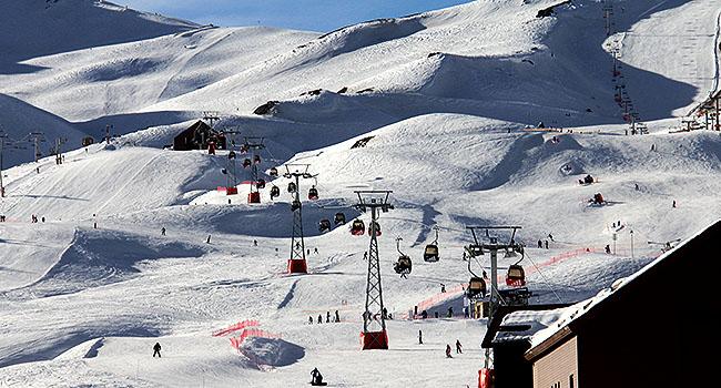 Valle Nevado Santiago Chile teleferico fechado gondola