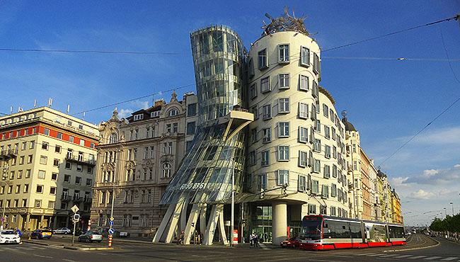 Praga Dancing House Casa Dancante