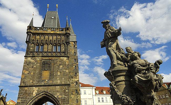Praga Estatuas Ponte Carlos