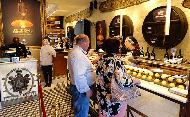 Casa Portuguesa Pasteis de Bacalhau - Atendimento