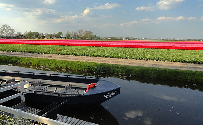 como-visitar-o-keukenhof-jardim-de-tulipas-holanda-barcos
