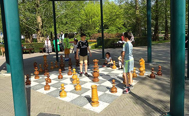 como-visitar-o-keukenhof-jardim-de-tulipas-holanda-xadrez