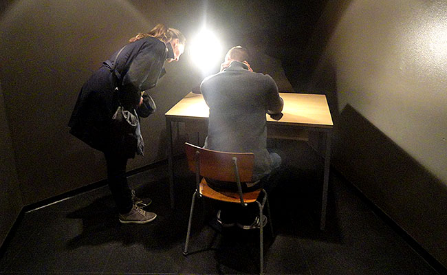 DDR Museum Berlim - sala de interrogatorio