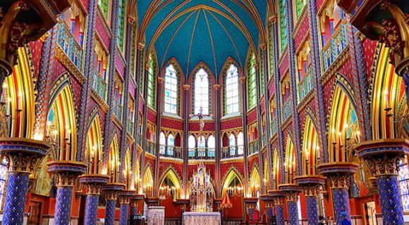 Arautos do Evangelho: a impressionante basílica neogótica em Cotia