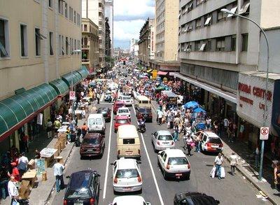 São Paulo: Rua 25 de Março