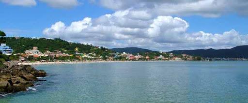 A praia de Bombinhas