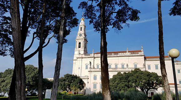 Fátima | Roteiro de 1 dia: como chegar e o que fazer no maior santuário católico de Portugal